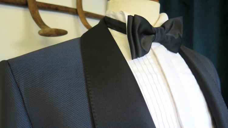 traje con pajarita para boda